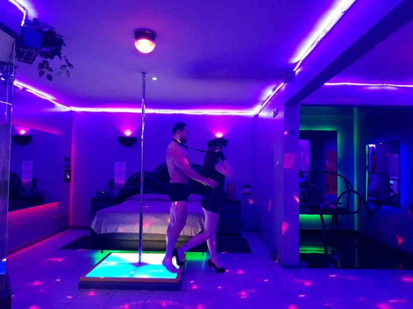 motel-habitacion-pole-dance